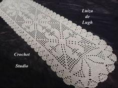 I love crochet! Crochet Table Runner, Crochet Tablecloth, Crochet Doilies, Crochet Books, Crochet Crafts, Knit Crochet, Knitting Patterns, Crochet Patterns, Fillet Crochet