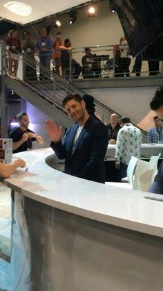 Jensen waves at a fan. #SDCC14 #Supernatural