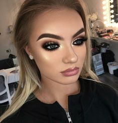 50 Eyeshadow Makeup Ideas For Brown Eyes – The Most Flattering Combinations - Care - Skin care , beauty ideas and skin care tips Flawless Makeup, Glam Makeup, Love Makeup, Makeup Inspo, Eyeshadow Makeup, Makeup Inspiration, Hair Makeup, Eyeshadow Palette, Simple Makeup