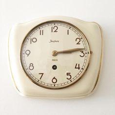 Vintage ART DECO Junghans Ceramic Porcelain Wall Clock Vintage Home Decor, Vintage Art, Vintage Items, Max Bill, Junghans, How To Make Wall Clock, Porcelain Ceramics, Cool Fonts, Cream White