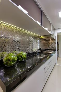 Navegue por fotos de Cozinhas modernas: Apartamento Jundiaí. Veja fotos com as melhores ideias e inspirações para criar uma casa perfeita.