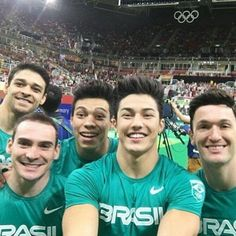 Equipe brasileira de ginástica olímpica. Os meninos conquistaram o sexto na disputa por equipe. Estão todos de parabéns!!!  @olhardemahel #olimpicgames #gym #olimpiadas2016 #rio2016 #ginastica #gymnastics #ginasticaolimpica #disputa #olimpiadas #olhardemahel #equipe #team #time #esporte #instagram #fpolhares #facebook #pinterest #esporteolimpico #cool #instapost http://ift.tt/2aVuZcL