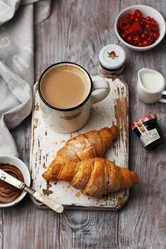 Lots Of Coffee Facts Tips And Tricks 5 – Coffee Breakfast Photography, Coffee Photography, Food Photography Styling, Food Styling, Photography Lighting, Photography Editing, Photography Backdrops, Kirlian Photography, Prague Photography