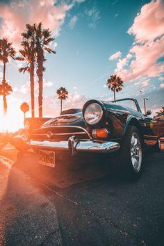 The best luxury cars - The best luxury cars . - Luxury cars best luxury cars - The best luxury cars .What Makes a Supercar a Supercar? Carros Retro, Carros Vintage, Cool Wallpaper, Wallpaper Backgrounds, Photos Hd, Bmw Autos, Photo Vintage, Best Luxury Cars, Car Drawings