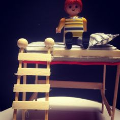 Miniature loftbed using pop sticks and bruscheta sticks.  Diy furniture project for Playmobil Clicks. 1/20 escale.