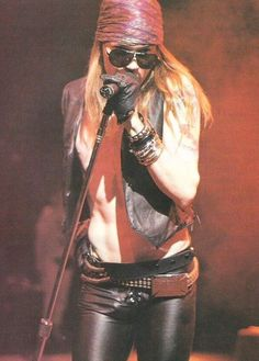 AXL. SERIOUSLY THOUGH HOW HOT IS THIS MAN......