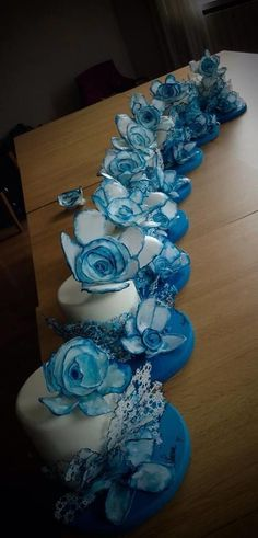 blue cakes, wafer paper flower from my course Mendrisio 10/05/2014