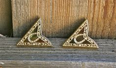 2 Vintage Gold Western Horseshoe Collar Tips by buttonitupvintage, $18.00