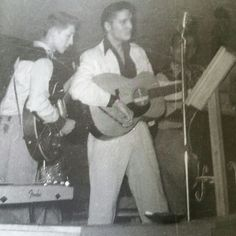 Elvis on November 1954 in Gladewater, TX at the Mint Club (photo courtesy of Scotty Moore website). Scotty Moore, Sun Records, Mp3 Music Downloads, Young Elvis, Tom Parker, Thing 1, Online Music Stores, New Star, Graceland