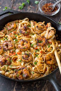 """This delicious cajun shrimp pasta has a flavorful and smoky """"kick"""" from the creole seasoning and the creamy roasted red pepper sauce! Cajun Shrimp Recipes, Cajun Shrimp Pasta, Seafood Recipes, Cooking Recipes, Healthy Recipes, Recipes Dinner, Seafood Pasta, Chicken Pasta, Shrimp Fettuccine Alfredo"""