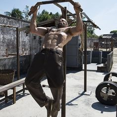 Jason Statham's Shows Off his Workout Skills from a Movie Set on his Facebook Page.