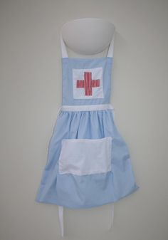 Nurses' outfit / Doctors outfit apron by Stephanie   Project   Sewing / Accessories   Kids & Baby   Toys   Kollabora (Cute idea and simple to use apron pattern. Love it)