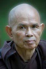 Il y a 2600 ans, le Bouddha offrait les lignes directrices à ses disciples pour les aider à mener une vie paisible, saine et heureuse. C'étaient les Cinq Merveilleux Entraînements à la pleine conscience. La pratique de ces...