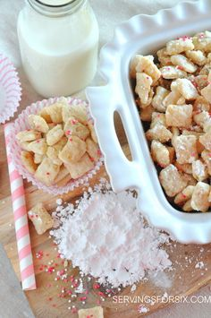 14 Delicious Muddy Buddy Recipes {puppy chow} - Tip Junkie