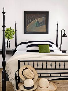 Four Poster Bed - Bedroom Design Ideas - Country Living Bedroom Black, Home Bedroom, Colorful Bedroom Design, White Decor, Bedroom Design, Bedroom Green, Bedroom Inspirations, White Room, White Rooms