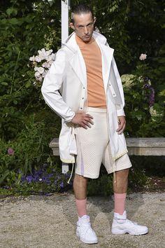 Pigalle presented its Spring/Summer 2017 collection during Paris Fashion Week. Vogue Paris, Pigalle Paris, Rain Jacket, Bomber Jacket, Fashion Show, Mens Fashion, Gq Magazine, Catwalk, Windbreaker