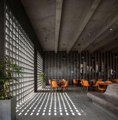 Image 4 of 33 from gallery of The Centrum Club / Abin Design Studio. Photograph by Niveditaa Gupta, Samya Ghatak, Abin Chaudhuri Brick Design, Facade Design, Wall Design, House Design, Restaurant Interior Design, Home Interior Design, Interior Architecture, Modern Restaurant, Cafe Shop Design