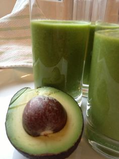 Apple, Avocado and Cucumber Smoothie Cucumber Smoothie, Juice Smoothie, Smoothie Drinks, Smoothie Recipes, Juice Recipes, Apple Smoothies, Healthy Smoothies, Healthy Drinks, Gout Remedies