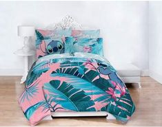 Lilo & Stitch Floral Fun Queen Bed Set Image 1 of 6 Queen Size Bed Sets, Queen Bedding Sets, Comforter Set, Girls Bedding Sets, King Size, Mode Harry Potter, Lilo Et Stitch, Disney Bedding, Decorating Bedrooms