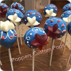 of July Cake Pops 4th Of July Cake, 4th Of July Desserts, Fourth Of July, Food Set Up, Cupcake Cakes, Cupcakes, Sweet Cakes, Celebration Cakes, Decorated Cookies