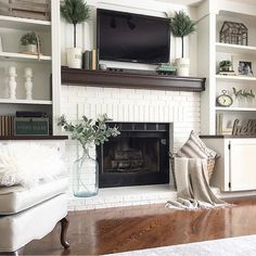 Fireplace Built Ins, Home Fireplace, Fireplace Remodel, Living Room With Fireplace, Fireplace Design, Fireplace Brick, Fireplace Ideas, Fireplace Bookshelves, Shelves Around Fireplace