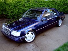 MERCEDES BENZ W124 E320 AMG
