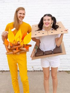 easy halloween costumes for couples Last Minute Halloween Costumes, Halloween Photos, First Halloween, Halloween Diy, Diy Zombie Costume, Easy Homemade Halloween Costumes, Halloween Couples, Group Halloween, Halloween Stuff