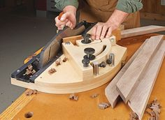 Micro-Adjustable Shooting Board | Woodsmith Plans