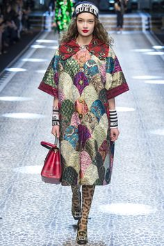 Dolce & Gabbana Fall 2017 Ready-to-Wear Collection Photos - Vogue Milan Fashion, Fashion 2017, High Fashion, Fashion Show, Womens Fashion, Fashion Design, Fashion Trends, Fall Fashion, Dolce & Gabbana