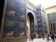 The reconstruction of the Ishtar Gate in the Pergamon Museum in Berlin. Ishtar_Gate_at_Berlin_Museum. Ancient Near East, Ancient Art, Ancient History, Art History, Ancient Beauty, Bagdad, Gate Of Babylon, Babylon Iraq, Babylon King