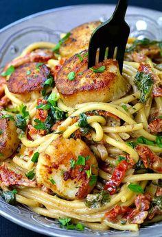 Creamy Tuscan Spaghetti with Jumbo Scallops | Mantitlement
