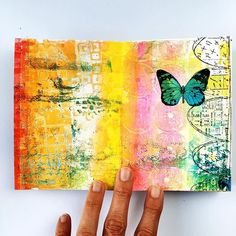 Working on a new page in my Gelli Printed Art Journal. These colors just make me…