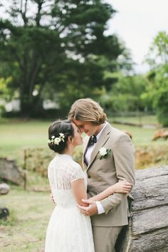 We LOVE this sweet photo by Lara Hotz Photography. | www.larahotz.com