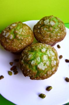 Sweet Pistachio Muffins with Sugar Crust // My Momma Told Me. Thinking about making these for Michaela pistachio is her favorite kind of ice creme Muffin Recipes, Baking Recipes, Breakfast Recipes, Dessert Recipes, Dessert Salads, Breakfast Ideas, Snack Recipes, Pistachio Muffins, Pistachio Recipes