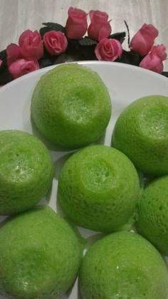 apem kentang Indonesian Desserts, Asian Desserts, Indonesian Food, Asian Recipes, Indonesian Recipes, Rice Recipes, Cooking Recipes, Bolu Cake, A Food