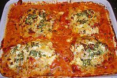 Leckeres Putenschnitzel mit Tomatensauce überbacken