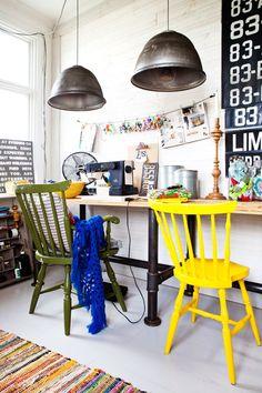 A home in Sweden.  Photo by Carina Olander - ou comment donner un aspect industriel illuminé par des couleurs à son atelier couture