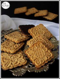 Mézes keksz (Mese keksz házilag) No Salt Recipes, Candy Recipes, Sweet Recipes, Cookie Recipes, Snack Recipes, Dessert Recipes, Snacks, Hungarian Recipes, Bakery Recipes