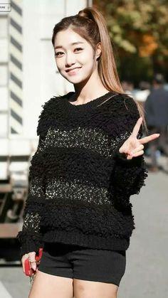 Former member of Nine Muses Ryu Sera Image by Mrdjay Jojoe My Muse, Girl Bands, Best Face Products, Korean Singer, Korean Girl Groups, Strong Women, Serum, Korean Fashion, Asian Girl