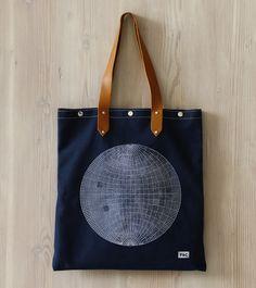 Carry On | Globe