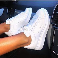 Very limited number Alexander mcqueen women Size: 38 - 40 Price: T Telegram: shoes_ir Website: www. Sneakers Mode, White Sneakers, Sneakers Fashion, Fashion Shoes, Shoes Sneakers, Yeezy Shoes, 90s Shoes, Lolita Fashion, Curvy Fashion