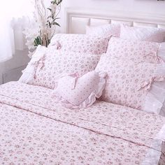 Bedding Quotes Inspirational - - - Soft Floral Bedding - Gray Bedding With Navy Accents Bedding Master Bedroom, Linen Bedroom, Queen Bedding Sets, Grey Bedding, Queen Beds, Comforter Sets, Floral Bedding, Rose Duvet Cover, Duvet Cover Sets