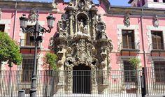 Fachada del antiguo Hospicio de San Fernando, realizado a principios del S. XVIII por el arquitecto Pedro Riibera. Hoy es Museo Municipal.