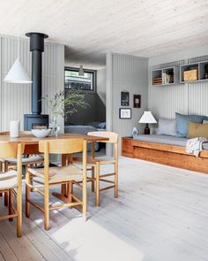Danish Living Room, Beach Cottage Style, A Frame House, Diy Sofa, Piece A Vivre, Cottage Homes, Home Fashion, Interior Inspiration, Outdoor Furniture Sets