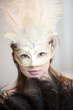 Paper Mache Mask, Making Paper Mache, Paper Mache Crafts, How To Paper Mache, Halloween Cosplay, Halloween Costumes, Halloween 2016, Halloween Stuff, Halloween Makeup