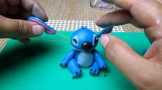 stitch in fondant tutorial Who wants a stitch cake? Remember I must love you because I am slow at this stuff. Lilo Stitch, Lilo And Stitch Cake, Stitch Disney, Fondant Owl Tutorial, Cake Topper Tutorial, Cake Decorating Techniques, Cake Decorating Tutorials, Fondant Figures, Fondant Toppers