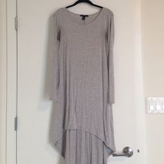 Forever 21 high low dress. Forever 21 high low dress. Comfy, can ether dress up with a belt or wear over a bathing suite. Forever 21 Dresses High Low