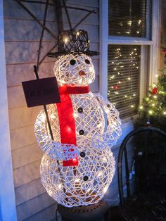 icu ~ Pin on All Aglow ~ This Pin was discovered by The Primitive Hutch. Christmas Crafts For Adults, Christmas Card Crafts, Etsy Christmas, Diy Christmas Ornaments, Simple Christmas, Holiday Crafts, Kids Christmas, Diy Snowman Decorations, Snowman Crafts