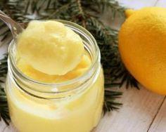 Crèmes au citron : très bonne mais il faut tout multiplier par trois pour avoir plusieurs pots ^^