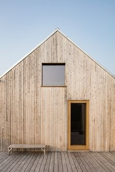 Atelier Pierre Thibault completes shed-like guesthouse in Quebec gardens Scandinavian Architecture, Wood Architecture, Scandinavian Cabin, Cabin Design, House Design, Getaway Cabins, Timber Cladding, House In The Woods, Exterior Design